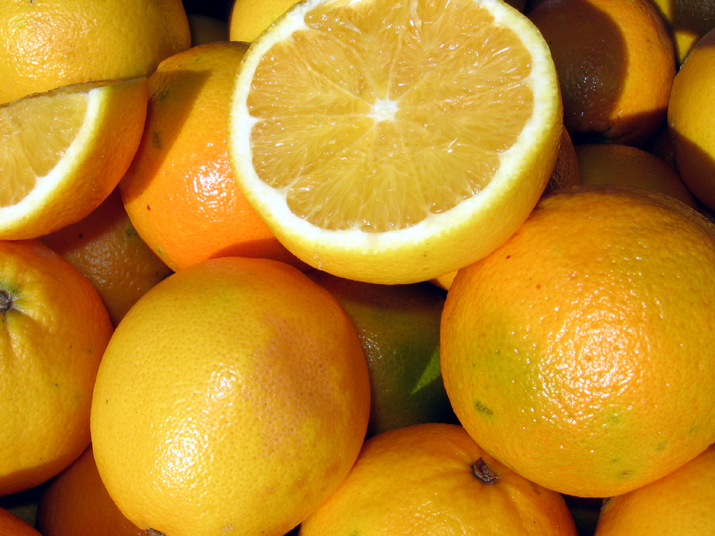 Succo d'arancia a flavonoidi aiutano cervello degli anziani