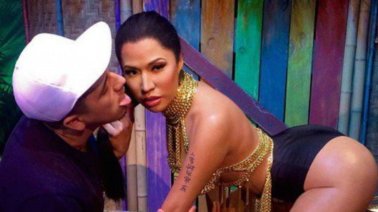 Nicki Minaj, statua di cera troppo sexy: spuntano scatti osè