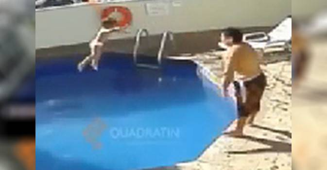 Patrigno getta bambina in piscina, la mamma dorme: muore annegata, video