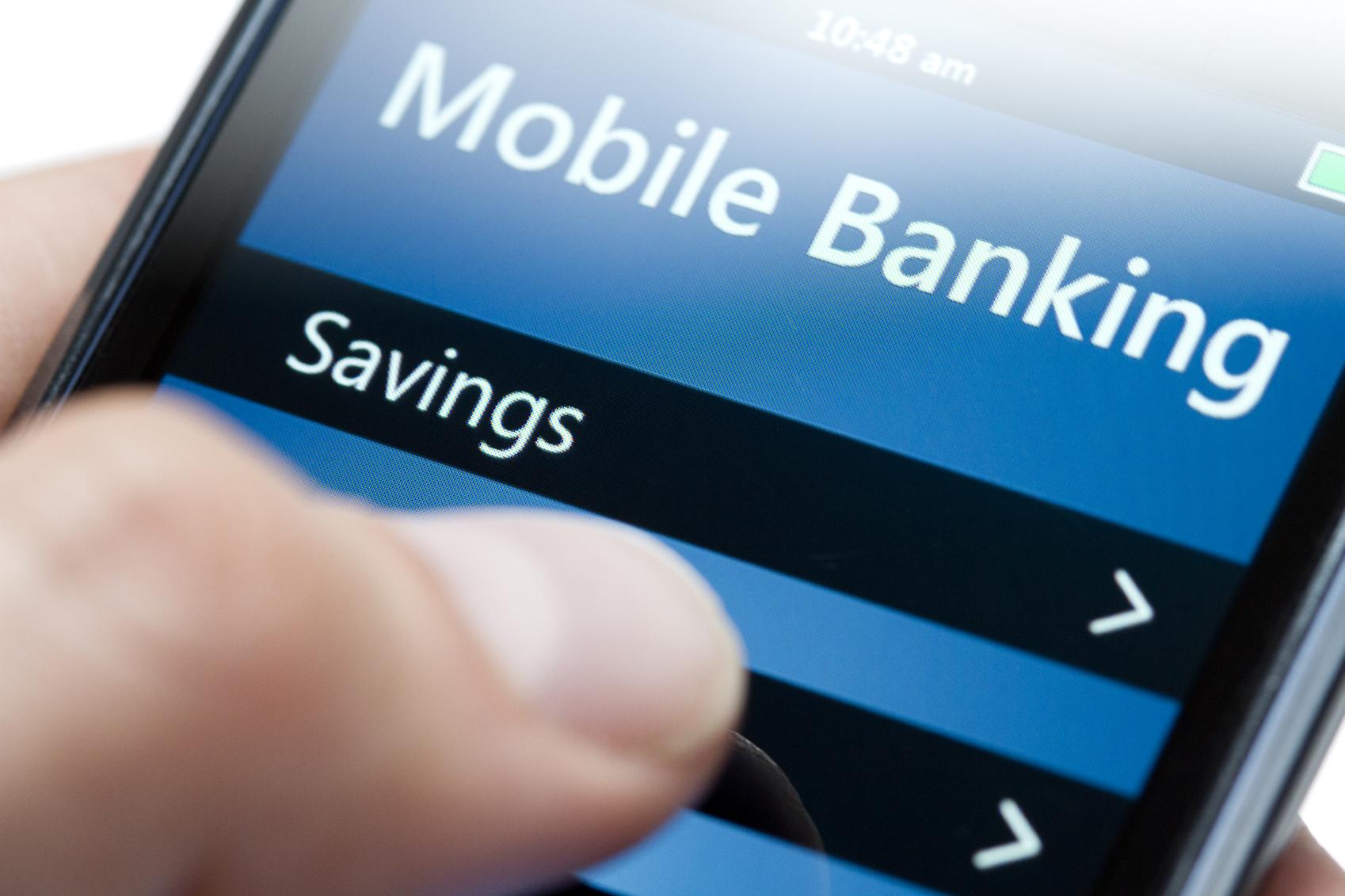 Mobile banking: gli italiani online con la propria banca