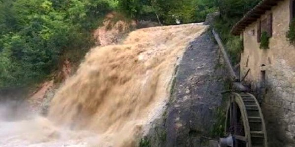 Caraibi, tempesta Erika fa oltre 30 morti ed è allerta in Florida