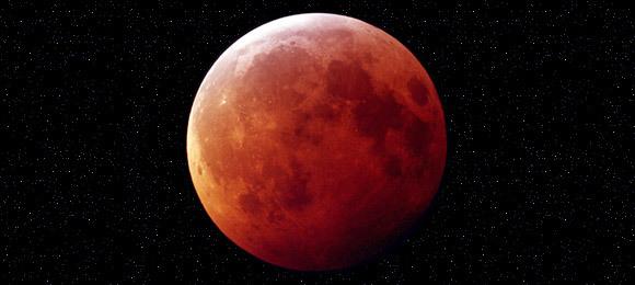 La notte della Luna: tutto il mondo ammira il satellite