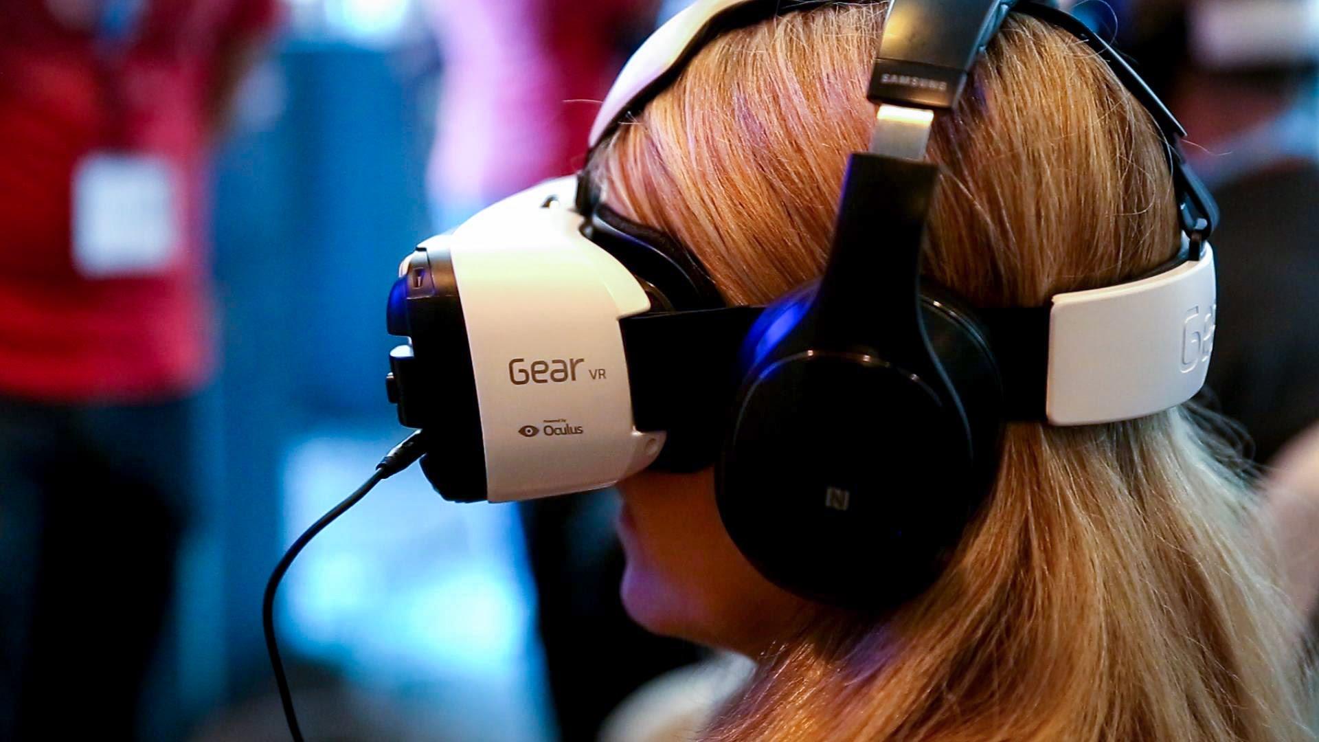 Oculus Gear VR Samsung, realtà virtuale a soli 99 dollari