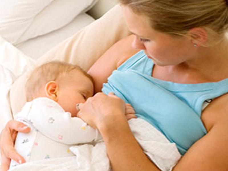 Latte materno dalle donatrici ai bambini che ne hanno bisogno