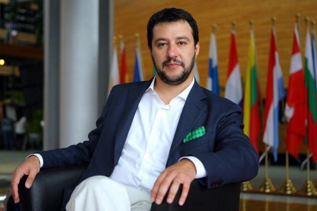 Salvini attacca Renzi: verme chi strumentalizza un bambino morto