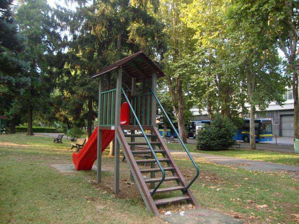 Usa, bambino trova 8mila dollari al parco e li restituisce al proprietario