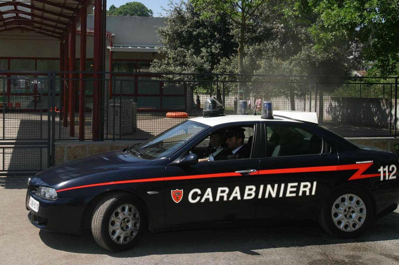 Albano laziale, carabiniere uccide moglie davanti a scuola e si suicida
