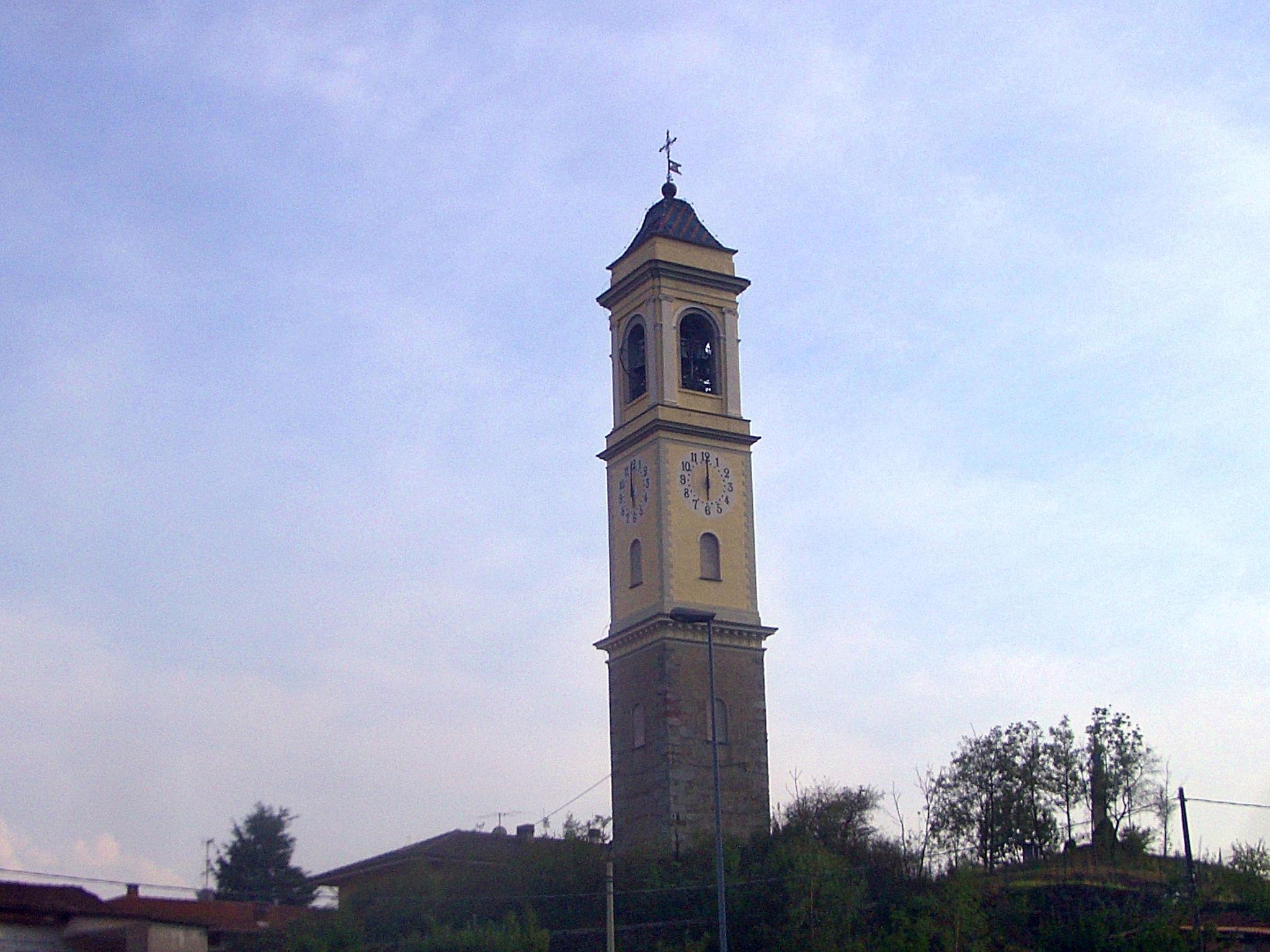 Fulmine fa crollare campanile, famiglia di Valperga viva per miracolo