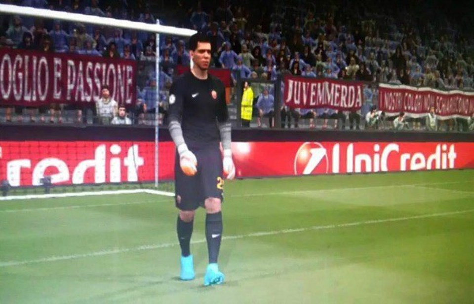 Pes 2016: screenshot striscione contro la Juve dietro Szczesny