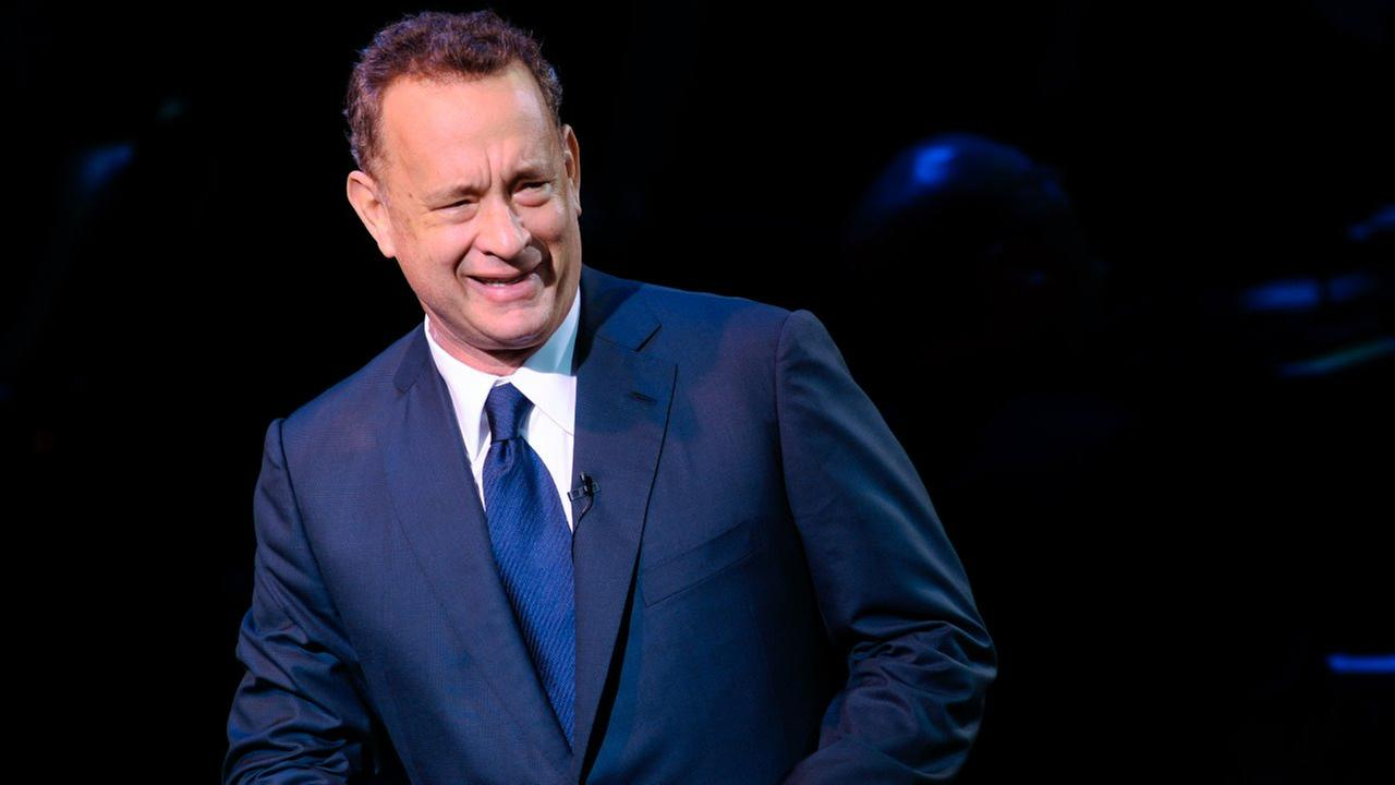 Tom Hanks trova tessera universitaria e twitta per avvertire la proprietaria