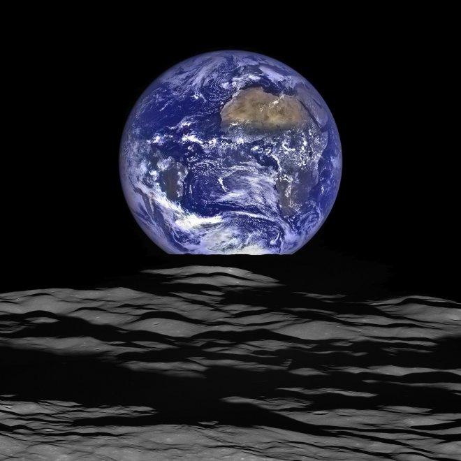 Ecco com'è la Terra quando sorge dalla Luna: super immagini della Nasa