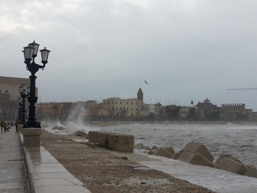 Ciclone Nettuno, pioggia e freddo a Pasqua e Pasquetta