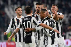 Sprechi del calcio: guadagna 10mila euro al minuto,non è Ronaldo