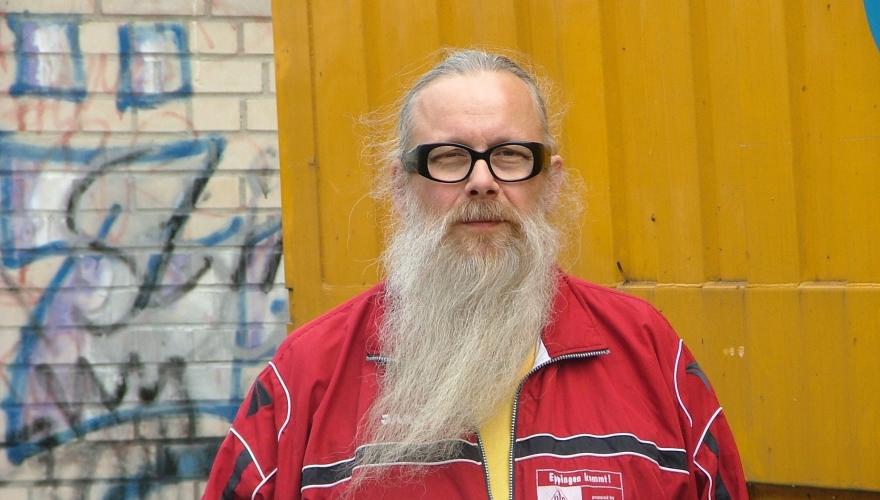 La lezione di Klaus Zapfs, milionario che vive con 500€ al mese