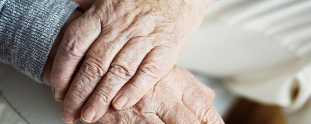 Follia all'ospizio: donna di 102 anni ammazza la compagna di 92