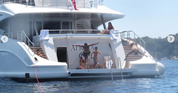 Cristiano Ronaldo, ecco la sua vacanza sullo yacht da 200 mila euro a settimana