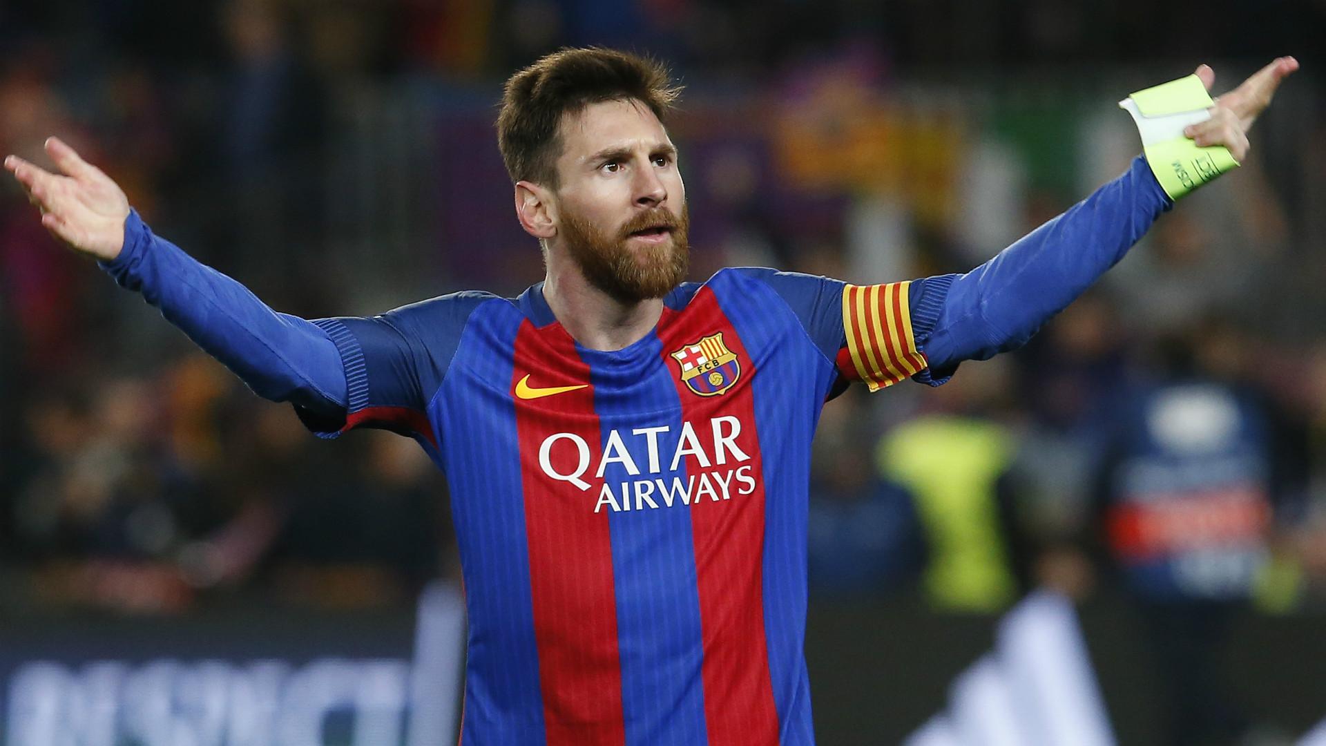 Il City sarebbe pronto a offrire 500 milioni per portare Messi in INghilterra. Il padre ha confermato oggi che difficilmente il figlio resterà a Barcellona, senza sapere i motivi che hanno portato il figlio Leo a una decisione così brusca e irremovibile. Ma dalla Spagna sono sicuri che il City, dopo i problemi con il fair play finanziario, non si esporrà finanziariamente per avere Messi. In Inghilterra invece sono sicuri che Messi sta per guadagnare 700milioni in cinque anni. Tre anni li giocherebbe al Manchester Cty, poi si sarebbe già promesso per du anni Al NYC dove chiuderebbe la carriera, negli Usa.